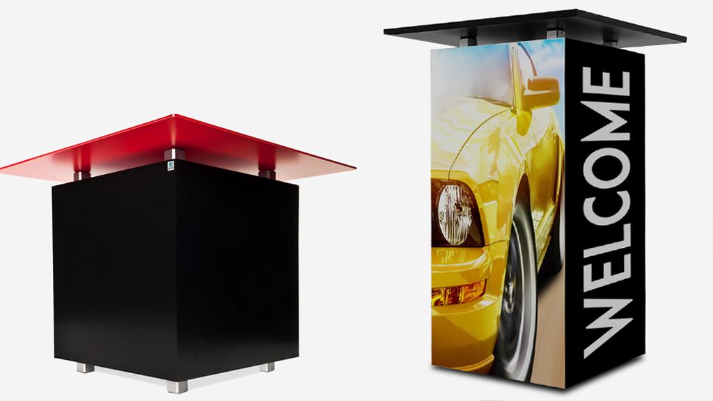Messemöbel individuell mit Ihren Motiven wie zum Beispiel Loungetisch/Stehtisch im Firmendesign