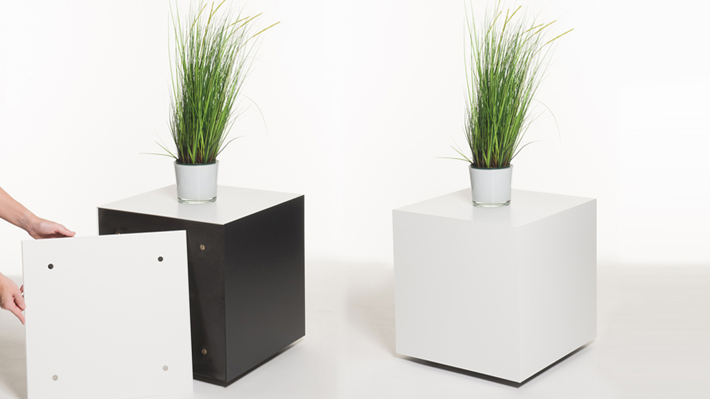 Podest/Galeriesockel mit wechselbarer Verkleidung ideal als Messemöbel